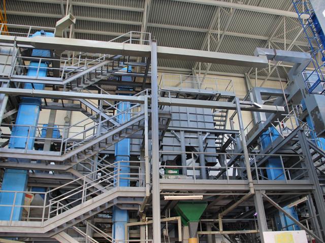 на данный момент первая очередь няганьского производства, которая будет осуществлять механическое обогащение кварца, находится в стадии пусконаладочных работ