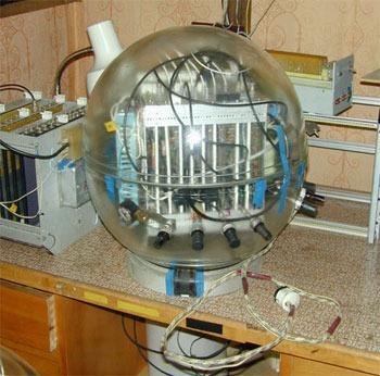 А это контроллер управляющий четырьмя оптическими модулями.