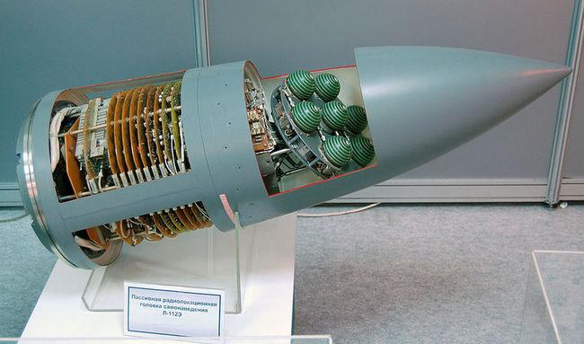 Пассивная радиолокационная головка самонаведения Л-112Э для ракет Х-31. МАКС-2009