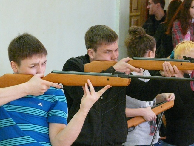 22 апреля в ЯрГУ состоялось принятие норм комплекса ГТО по стрельбе из пневматической винтовки