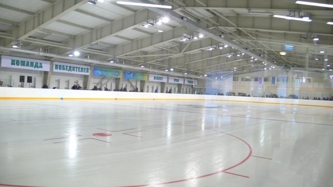 """ледовая арена ФОКа """"Хризотил"""" в г. Асбесте"""