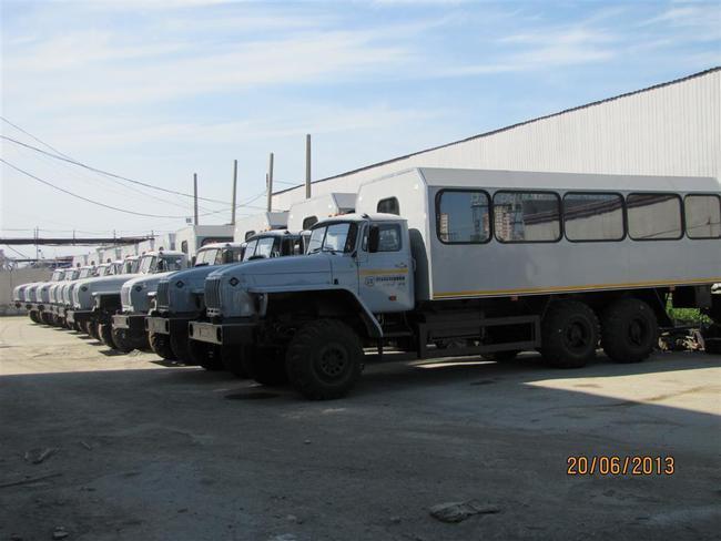 партия вахтовых автобусов