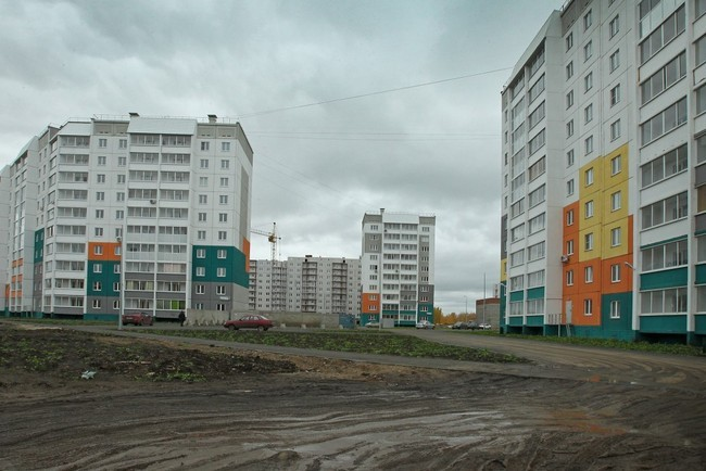 на сегодняшний день в планах застройщиков – ввод жилья на этой территории общей площадью 2 млн. квадратных метров, а это порядка 30 тысяч квартир, в том числе микрорайона «Парковый»