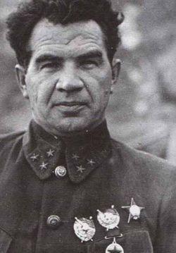 Васи769;лий Ива769;нович Чуйко769;в. Советский военачальник, Маршал Советского Союза (1955). Дважды Герой Советского Союза (1944, 1945).