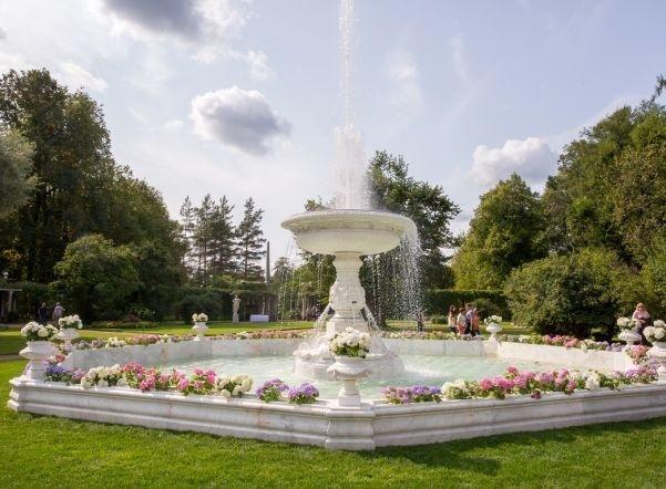 Запущен после реконструкции самый большой фонтан Царского Села - Мраморный фонтан