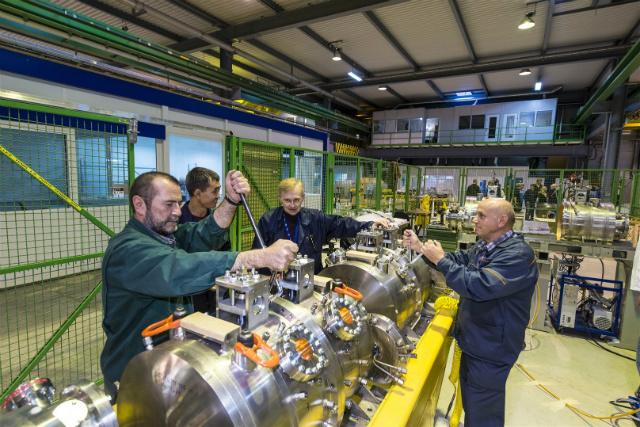 Новосибирский ИЯФ внес вклад в Большой адронный коллайдер