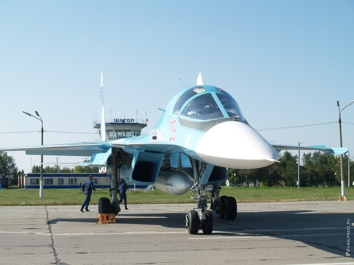 Первые бомбардировщики Су-34 в Челябинске. Архивное фото