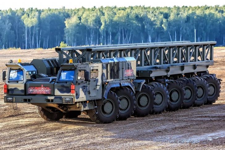 """Колесная платформа К-7850 на форуме """"Армия-2018"""""""