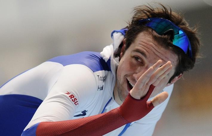 Денис Юсков стал победителем на дистанции 1500 м на чемпионате мира по конькобежному спорту в Херенвене