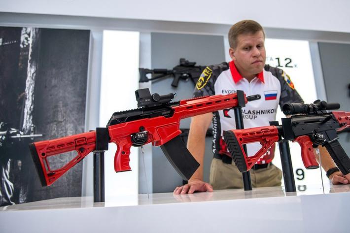 АК-12 и АК-15, модификации для гражданского рынка на выставке «Армия-2016».