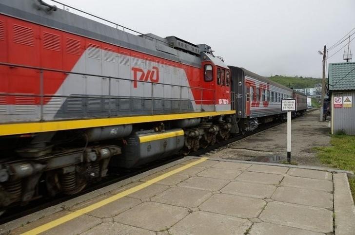 Поезд впервые на Сахалине проехал по широкой колее