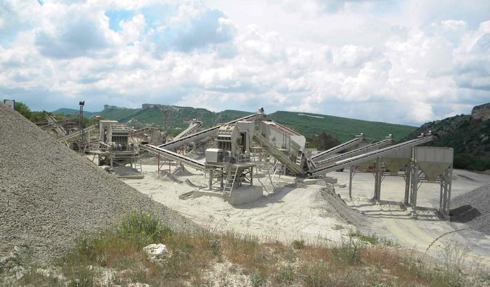 Камнедробилка на альминском заводе стройматериалов