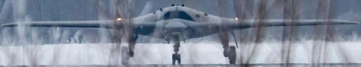 Первое фото ударного беспилотника С-70