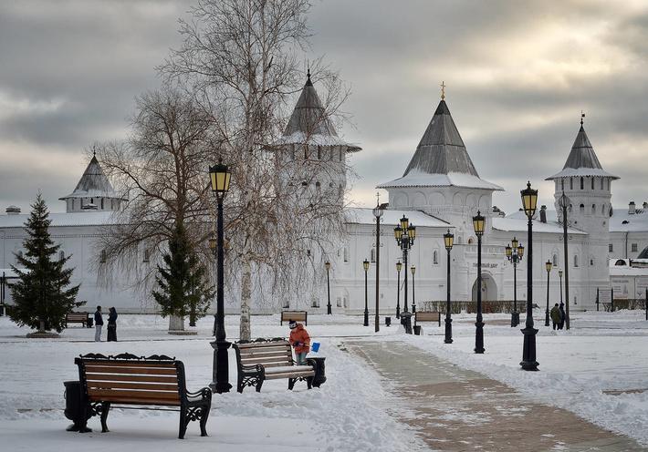 В Гостином дворе расположен музей Истории торговли Сибири.