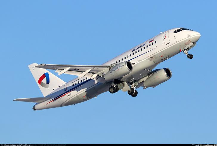 Третий Сухой Суперджет 100 поставлен авиакомпании Северсталь