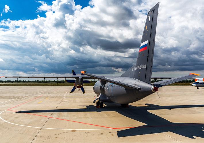 турбовинтовой Ан-140-100