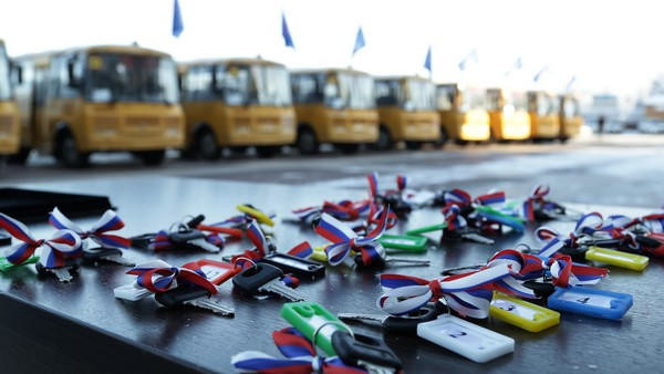 26 новых школьных автобусов поступили в образовательные учреждения Ульяновской области