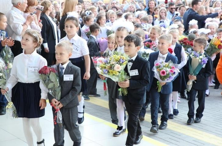В Петербурге с началом учебного года открылись девять новых школ