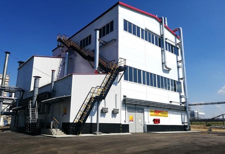 новый промышленный комплекс в процессе пуско-наладки. Август 2019 года