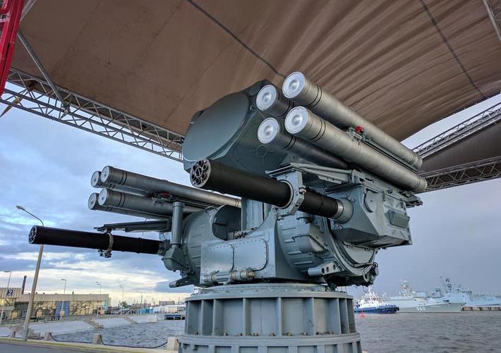 Первые фотографии корабельного зенитного ракетно-артиллерийского комплекса Панцирь-М