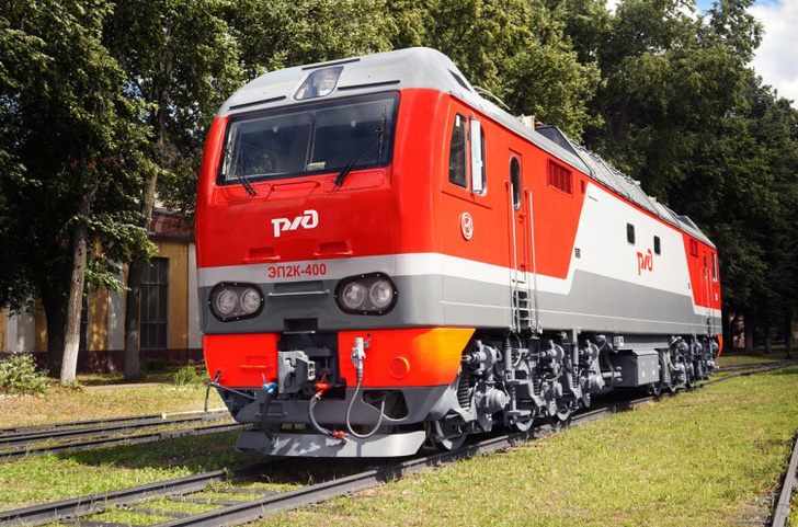 МЖД получила 400 пассажирский электровоз серии ЭП2К