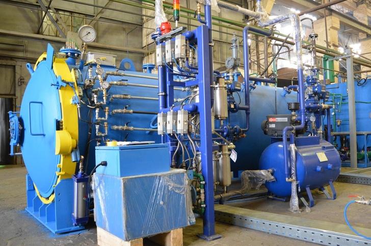 Автоклавная установка для полимеризации изделий из композитов.