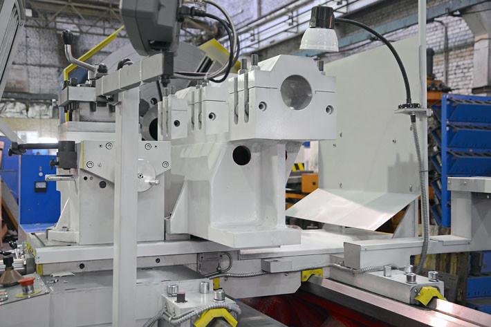 Суппорт РТС117 (РТ117) с установленным держателем расточной борштанги