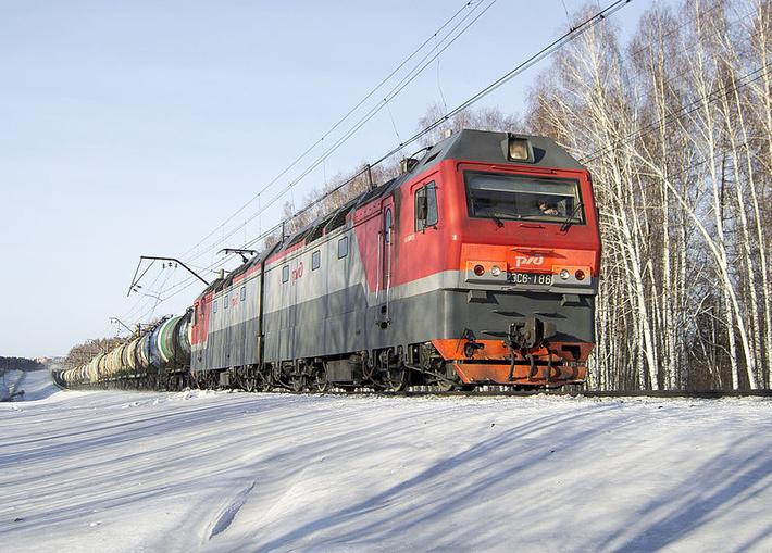 Фото электровоза серии 2ЭС6 «Синара» (фото с Википедии)