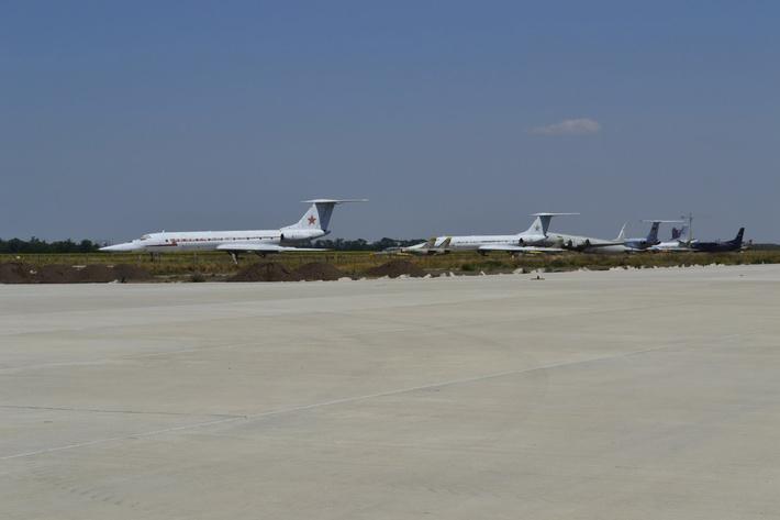 На время авиашоу часть авиации было перебазировано на ВПП1