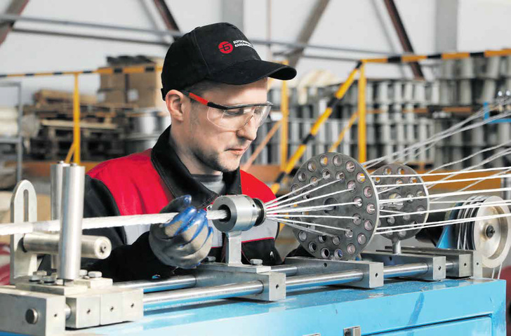 На Богословском кабельном заводе производят инновационный гибкий кабель: вместо дорогостоящей меди в качестве токопроводящего материала используются более дешевые и легкие алюминиевые сплавы