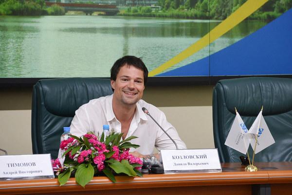 Данила Козловский на пресс-конференции в Курчатове