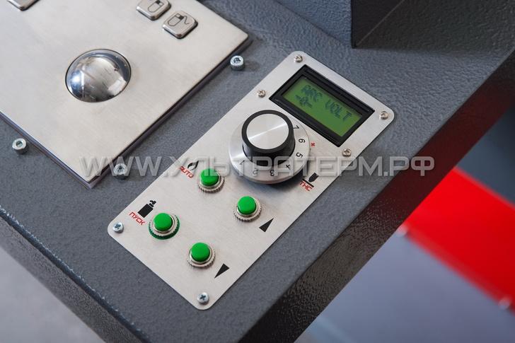 Контроллер THC и кнопки управления газовым резаком