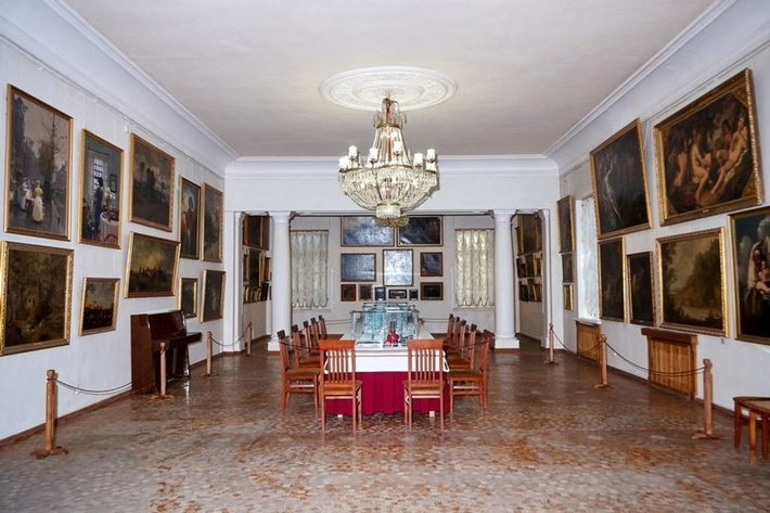 Музей создан в 1922 году как картинная галерея Центрального музея Тавриды.