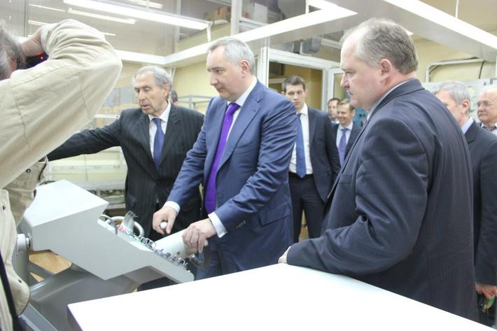 Посещение завода «Фиолент» вице-премьером РФ Дмитрием Рогозиным, апрель 2014
