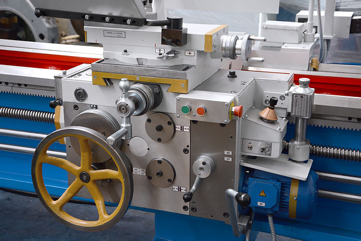 Фартук 1М63Н РМЦ-3000 с установленным резьбоуказателем