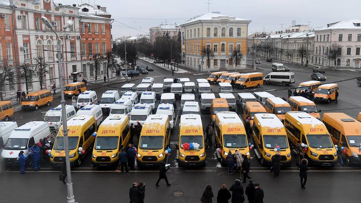 Тверская область получила новые школьные автобусы, машины скорой помощи и санитарные автомобили