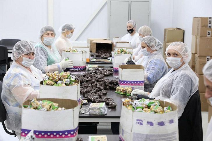 На Кубани открылось новое предприятие по производству сувенирных шоколадных изделий