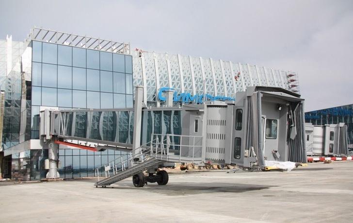 В новом терминале аэропорта Симферополь начался монтаж телетрапов