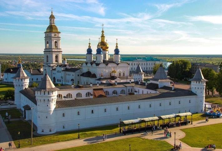 Тобольск первым в Сибири получил статус города.