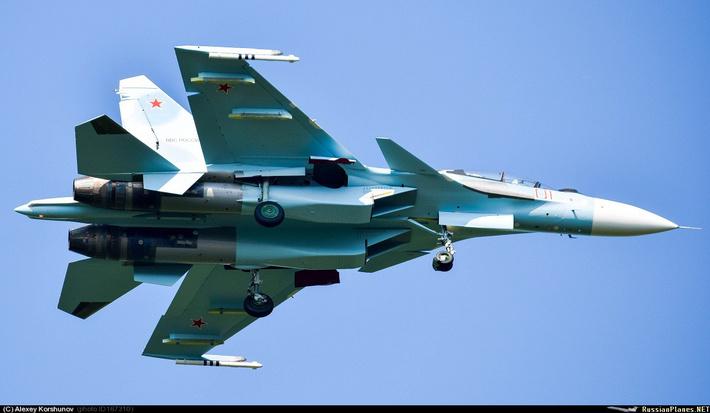 Су-30СМ б/н 01 красный