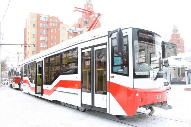 В Омске тестируют трамвай «Спектр» модели 71-407 производства завода «Уралтрансмаш»