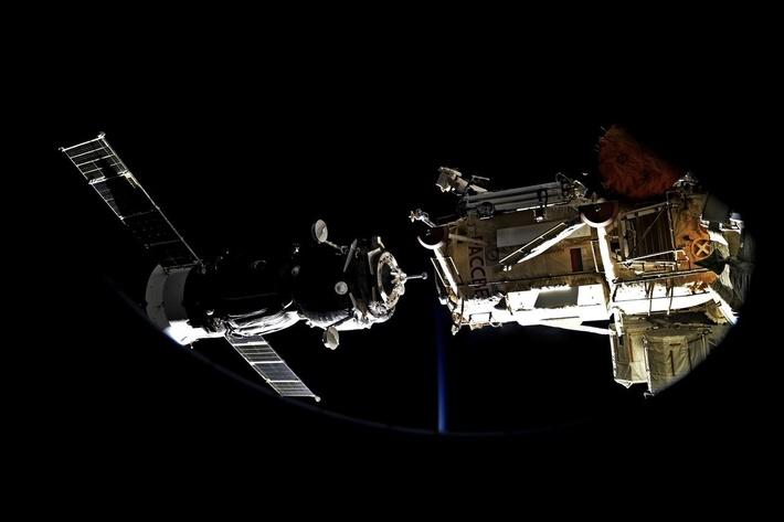 Стыковка корабля «Союз МС-05» с МКС. Фото командира Международной космической станции Фёдор Юрчихин