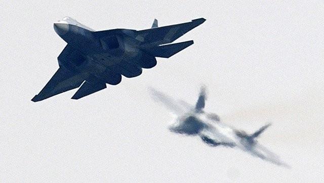 Российский многофункциональный истребитель пятого поколения Т-50 на МАКС-2017