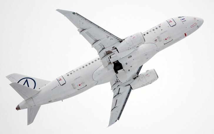 Успешно выполнен первый испытательный полет SSJ100 с законцовками крыла