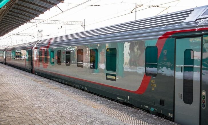 Обновлены составы фирменного поезда Самара - Санкт-Петербург формирования АО