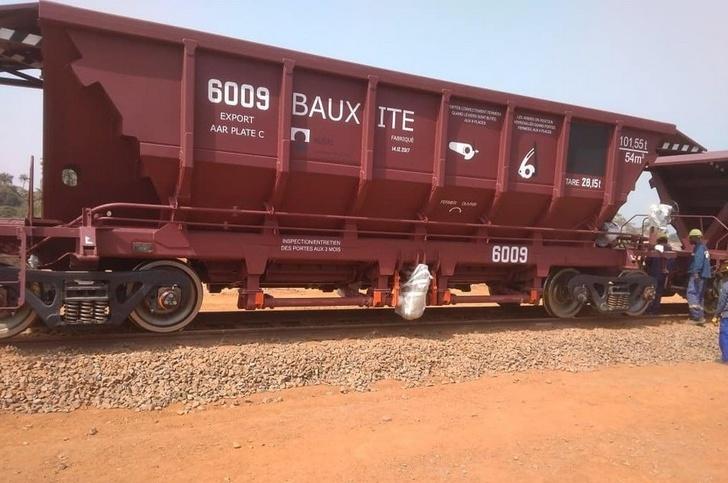 «Объединенная вагонная компания» поставила партию вагонов-хопперов в Гвинею