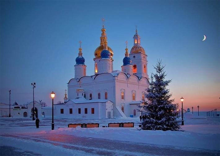 В 1686 году собор был освящён во имя Успения Богородицы.