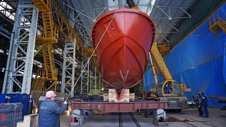 на Средне-Невском судостроительном заводе при строительстве судов проекта Р1650 «Рондо» применены композитные материалы