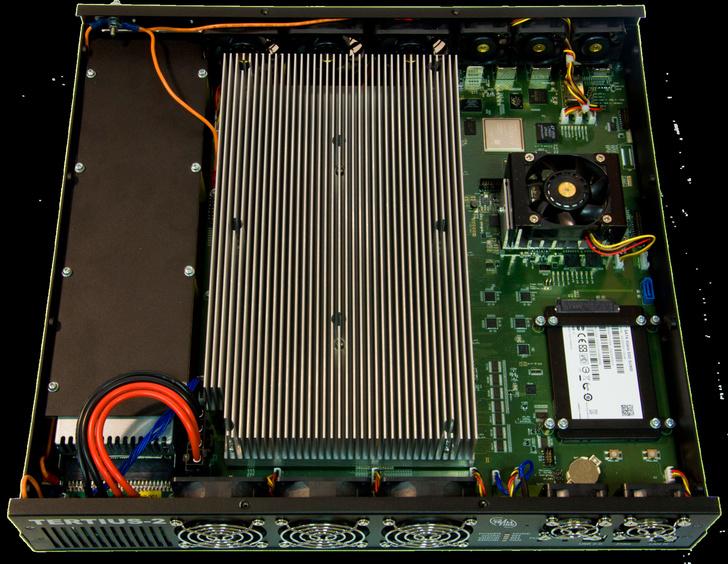 В НИЦ супер-ЭВМ и нейрокомпьютеров серийно производится настольный реконфигурируемый компьютер