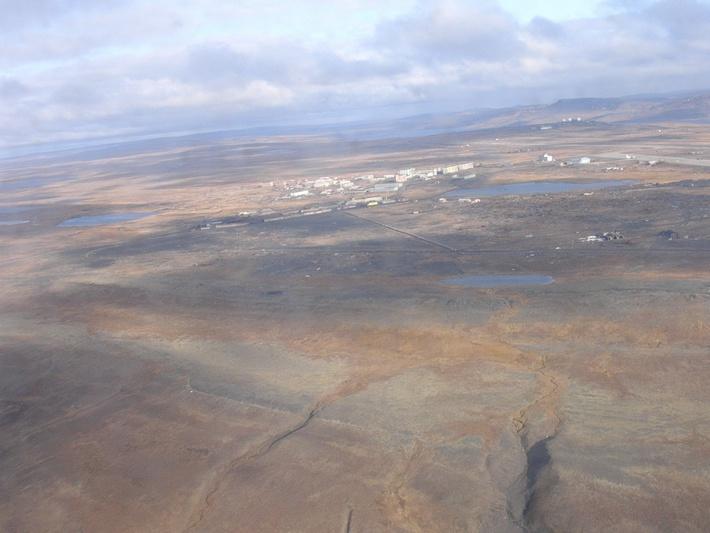 Так раньше выглядел поселок с высоты, на сопке вдали справа позиция 901 ртб Ромашка